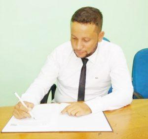Vereador Ronei Rodrigues Apresenta Lei de Geração de Emprego em Theobroma