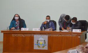 Por 8 votos a 1 as contas do exercício de 2016 foram rejeitadas pela Câmara de Vereadores de Theobroma