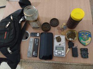 Policiais Militares de Jaru apreende drogas após abordagem em jovens