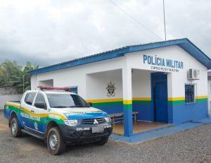 Homem é conduzido pela PM de Theobroma, suspeito de estuprar mulher de 32 anos