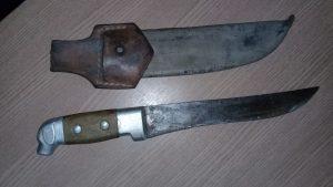 JARU: Jovem ameaça padrasto com facão em bar no Setor 04